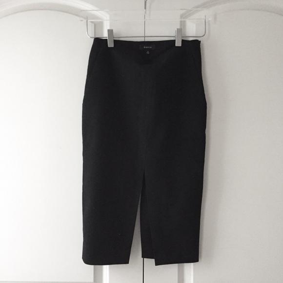 fa539f57d6 Aritzia Dresses & Skirts - Aritzia Babaton Jax Skirt in Black